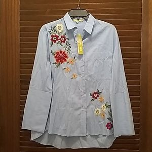 Gianni Bini floral button up.